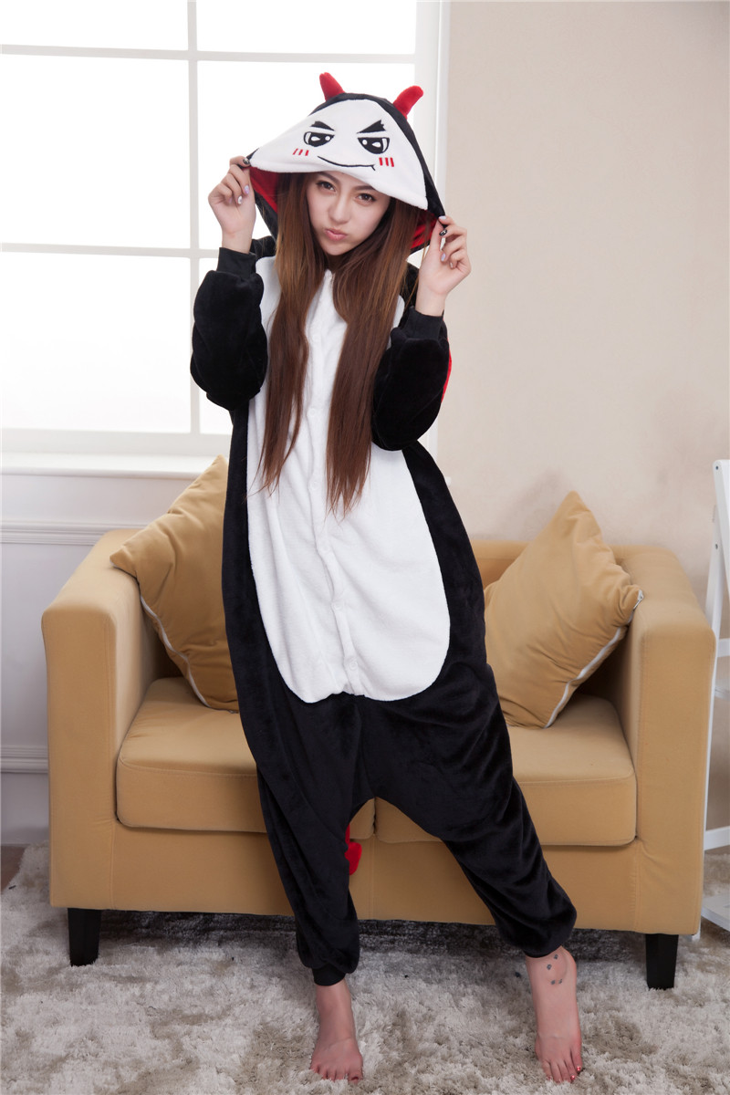 L301-1 Pijama intreaga kigurumi, model din desene animate Black Evil